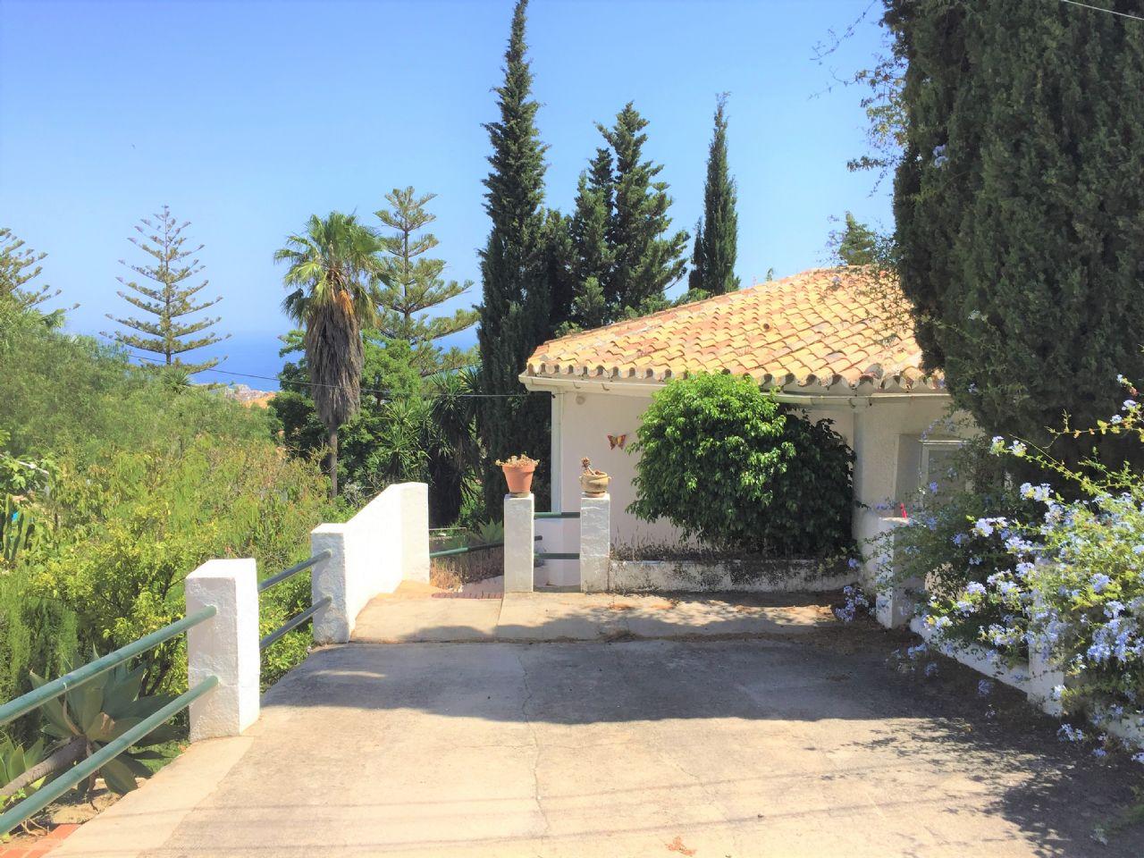 Villa in Benalmádena, Arroyo de la Miel, for sale