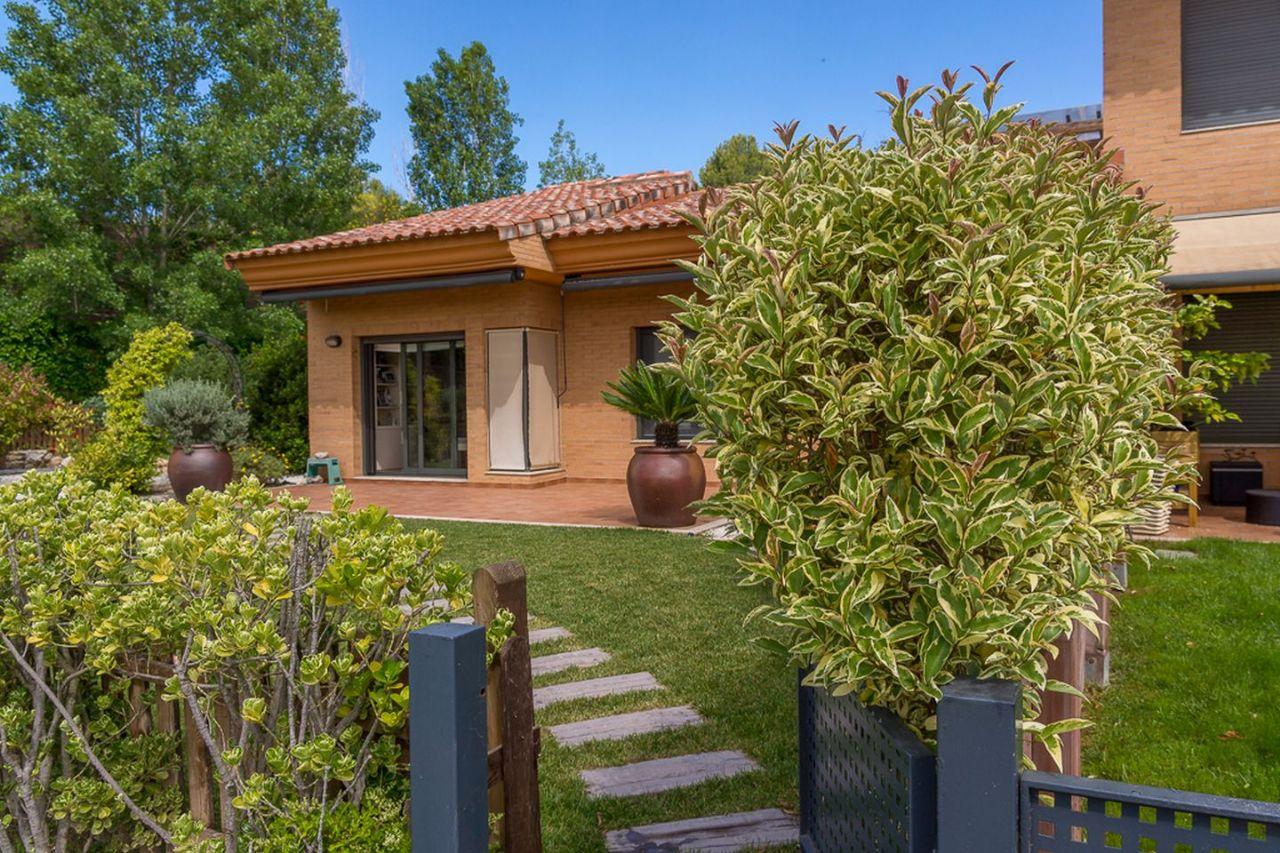 Casa / Chalet en Sant Esteve Sesrovires, Golf Masía Bach, venta