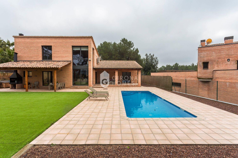 Villa in Sant Julià de Ramis, Golf Girona, for sale