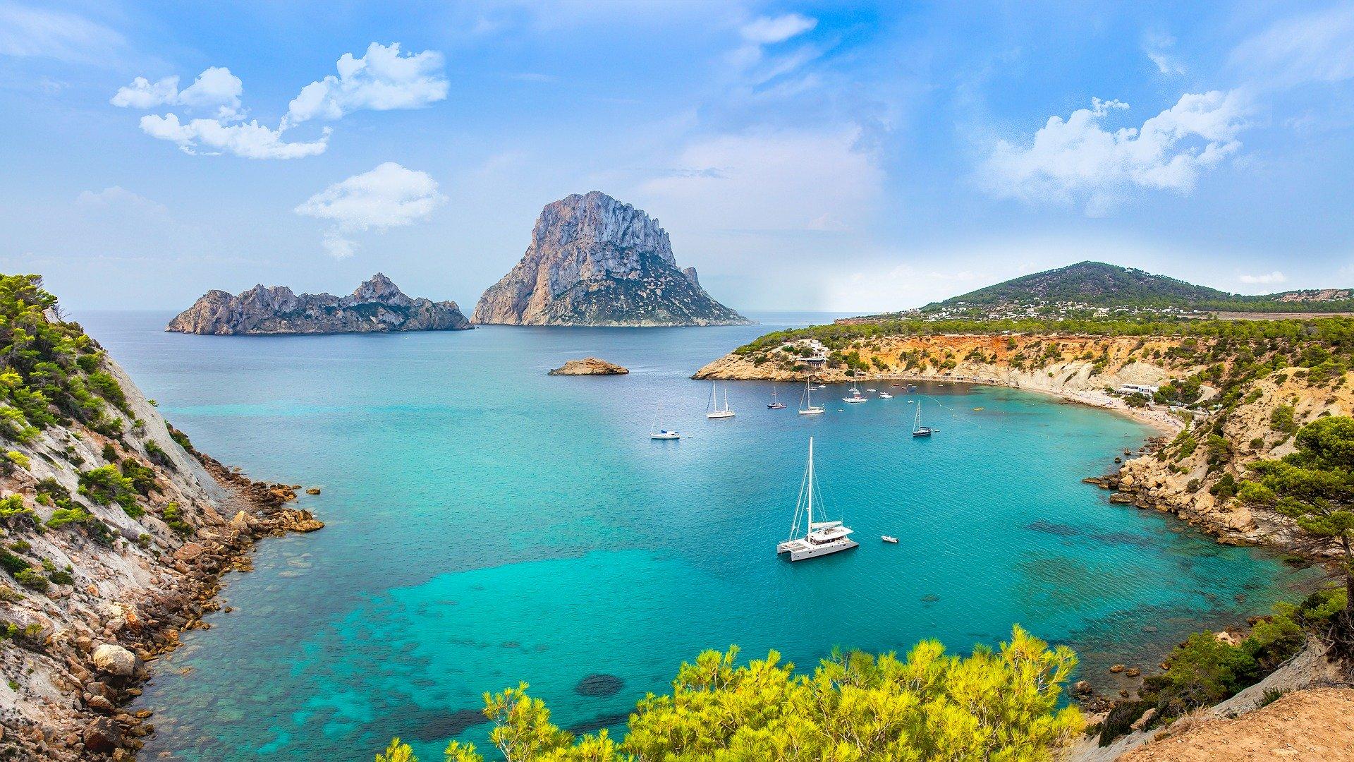 Beneficios de comprar y vivir en España para extranjeros