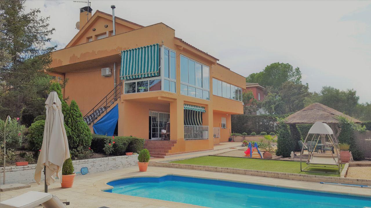 Casa / Chalet en Valdemorillo, URB. JARABELTRÁN, venta