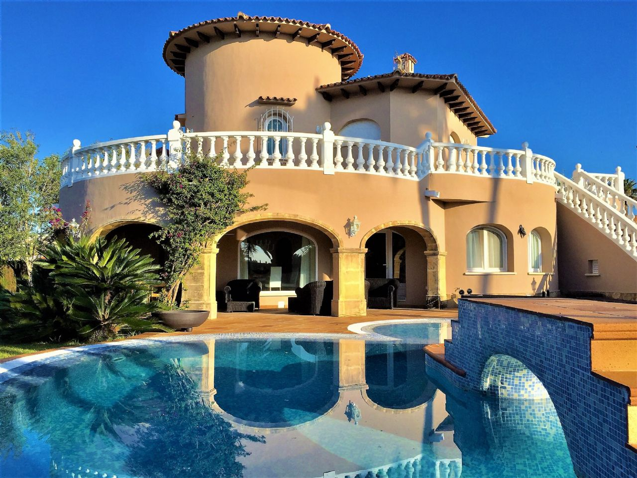 Villa de Lujo en Oliva, venta