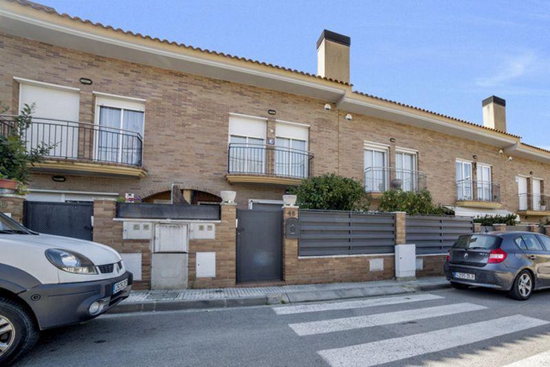 Terraced House in Santa Susanna, for sale