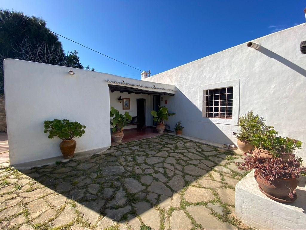 Casa de campo en Santa Eulalia del Río, Carretera de San Juan, venta