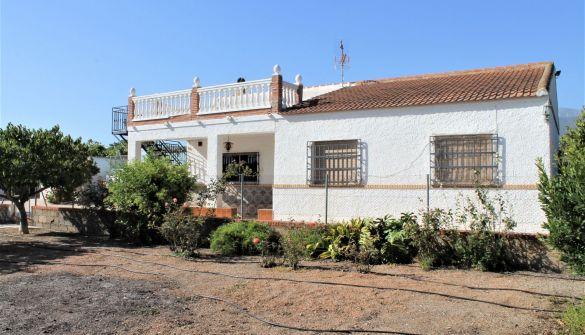 Casa de campo en Motril de 3 habitaciones