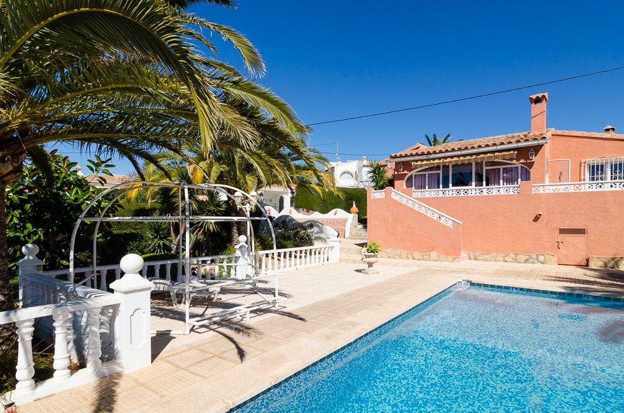 Villa in Calpe / Calp, ORTENBACH, for sale