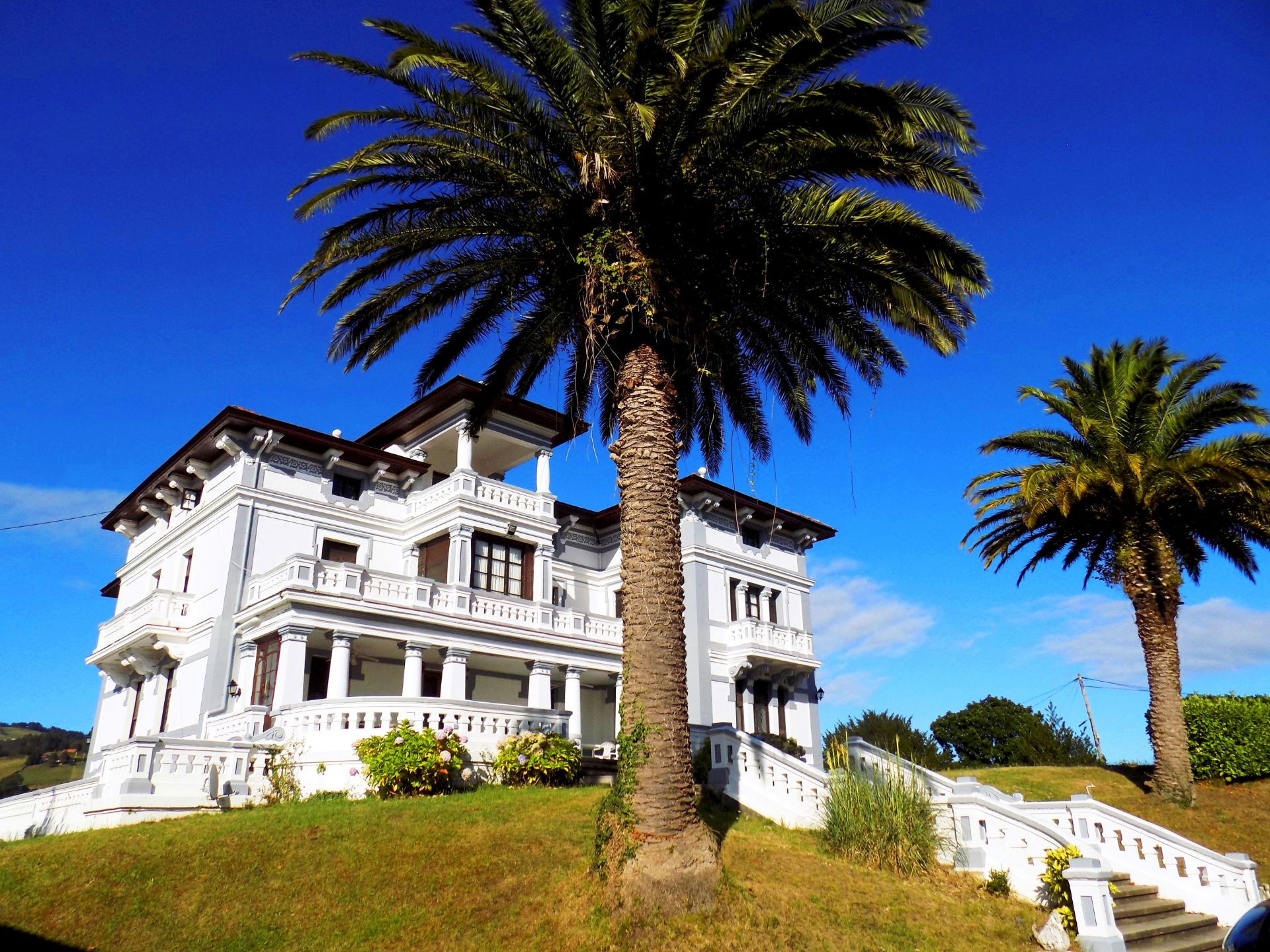 Villa de Lujo en Salas, MALLEZA, venta