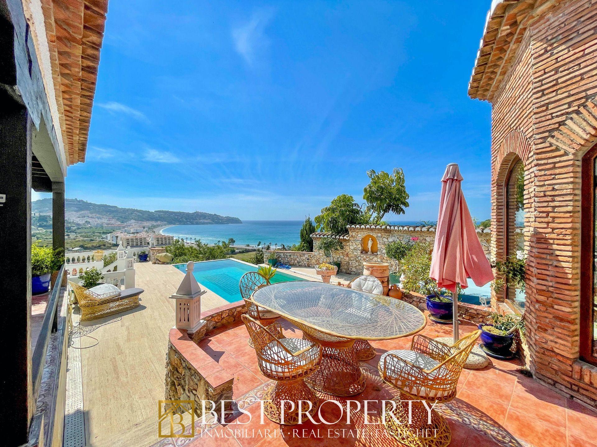 Luxury Villa in La Herradura, for sale