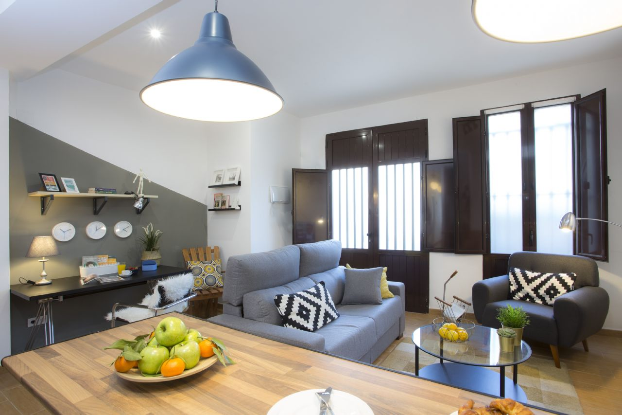 Apartamento em Valencia, Playa La Malvarrosa, arrendamento