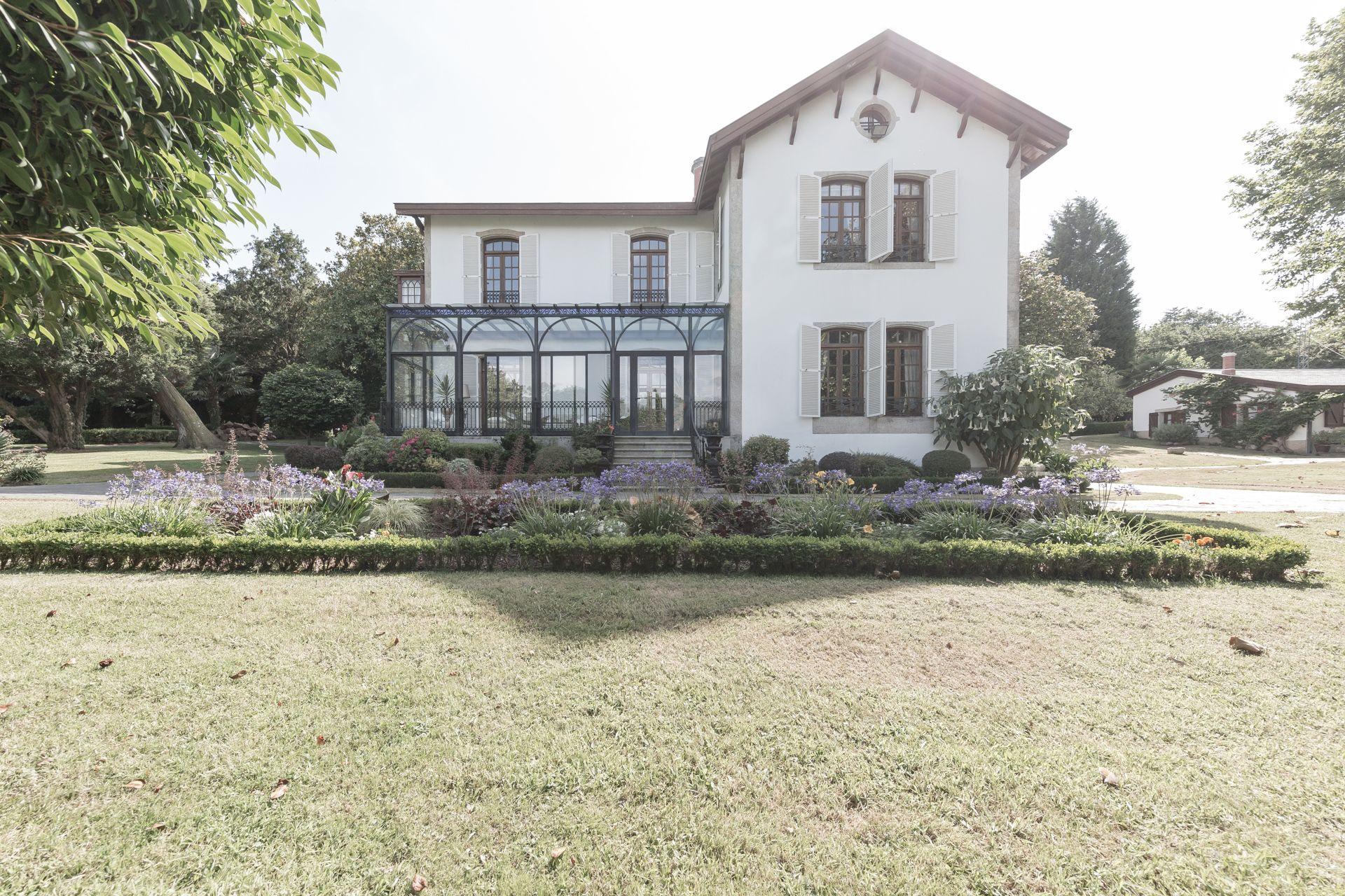 Villa de Lujo en Bergondo, venta