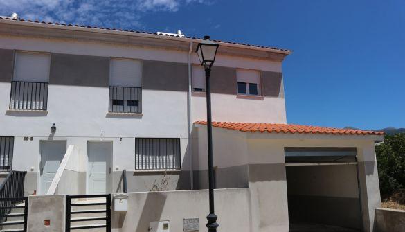 Casa adosada en Losar De La Vera
