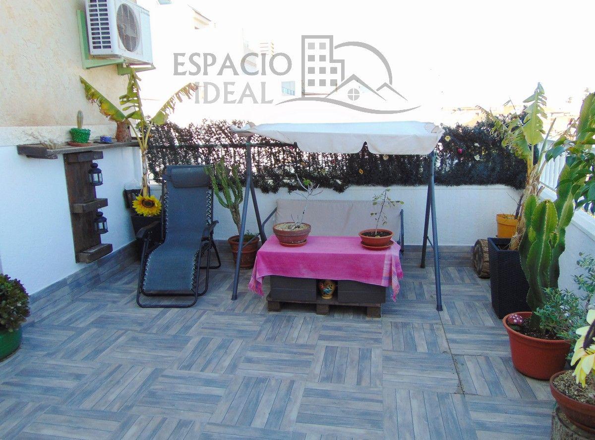 Casa adossada a Faura, en venda