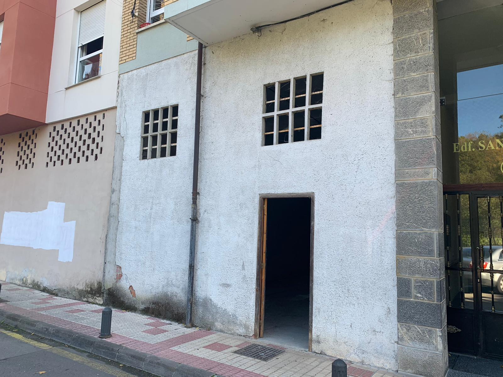 Local comercial en Cangas de Onís, alquiler