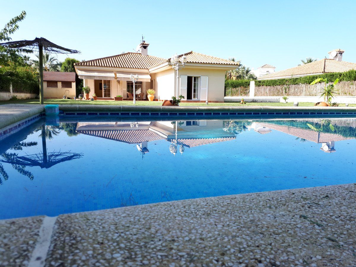 Luxury Villa in Rota, COSTA BALLENA - ROTA, for rent