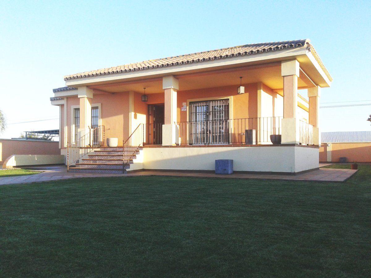 Luxury Villa in Chipiona, MONTIJO - CAMPO, for rent