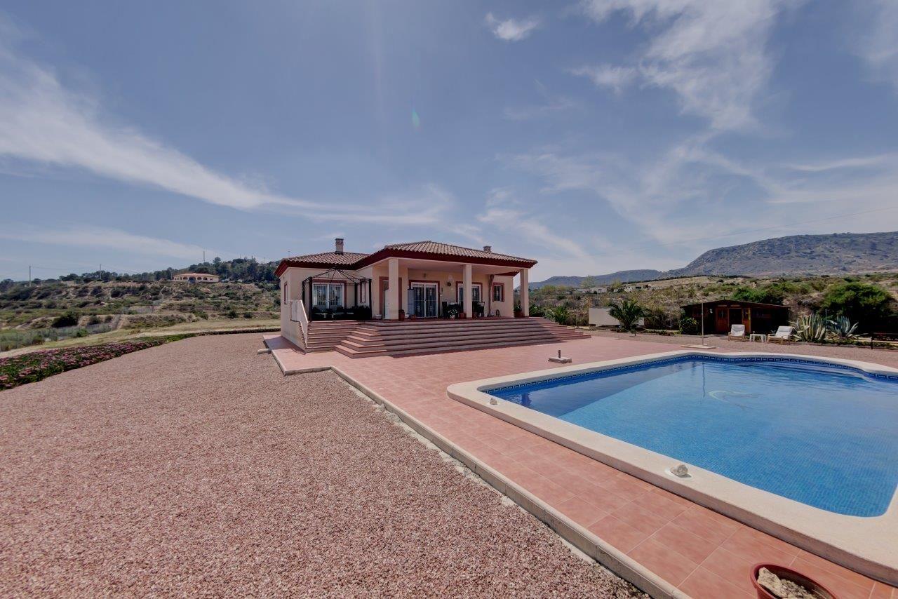 Villa in Aspe, for sale