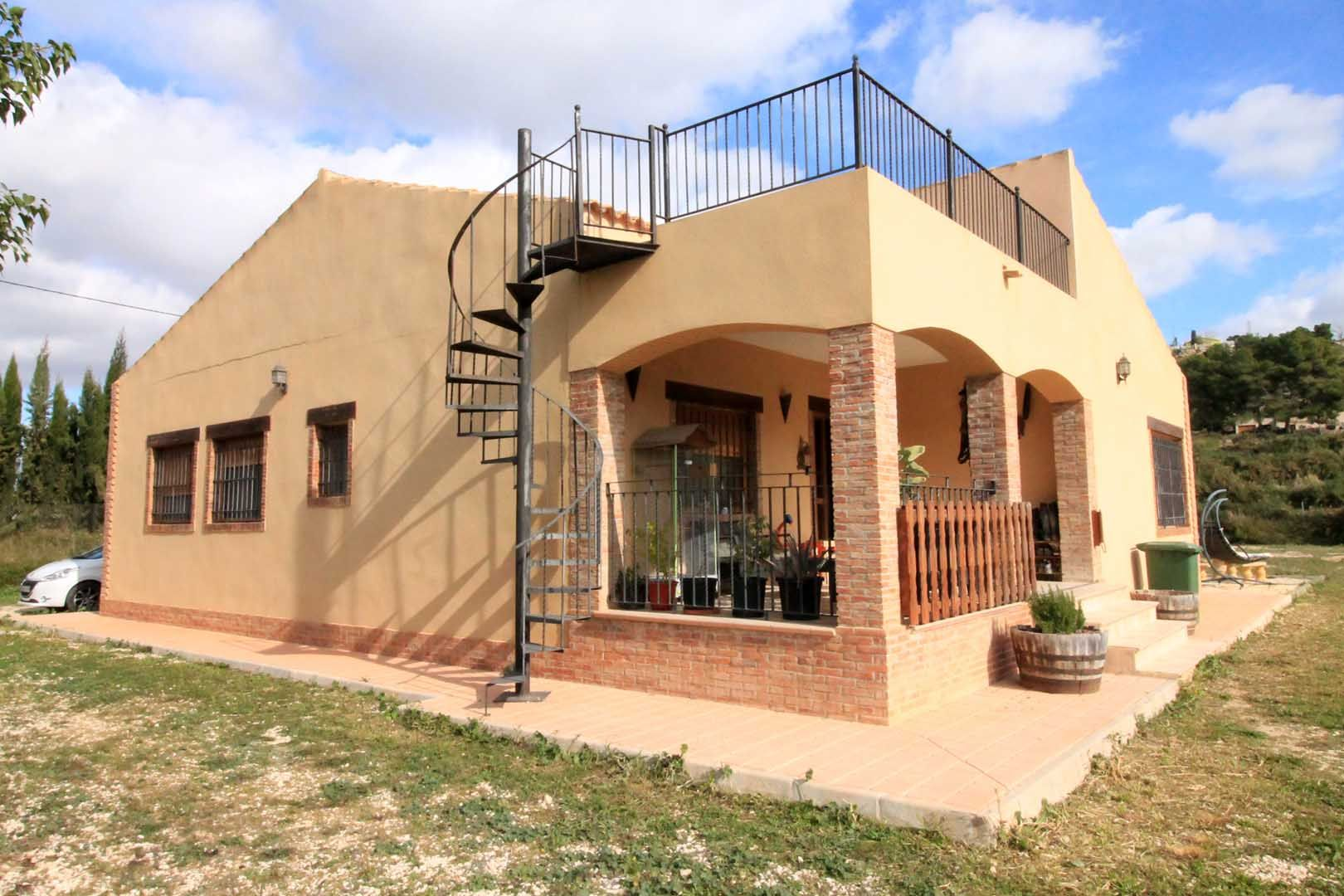 Country House in Aspe, for sale