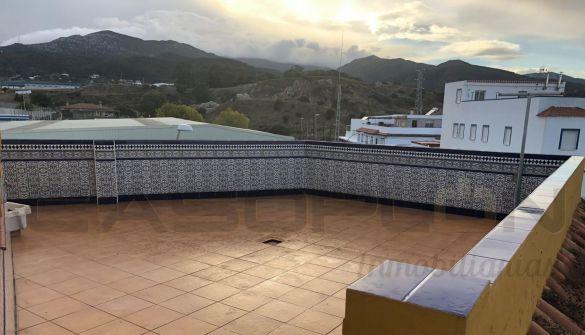Casa de pueblo en Algeciras de 6 habitaciones