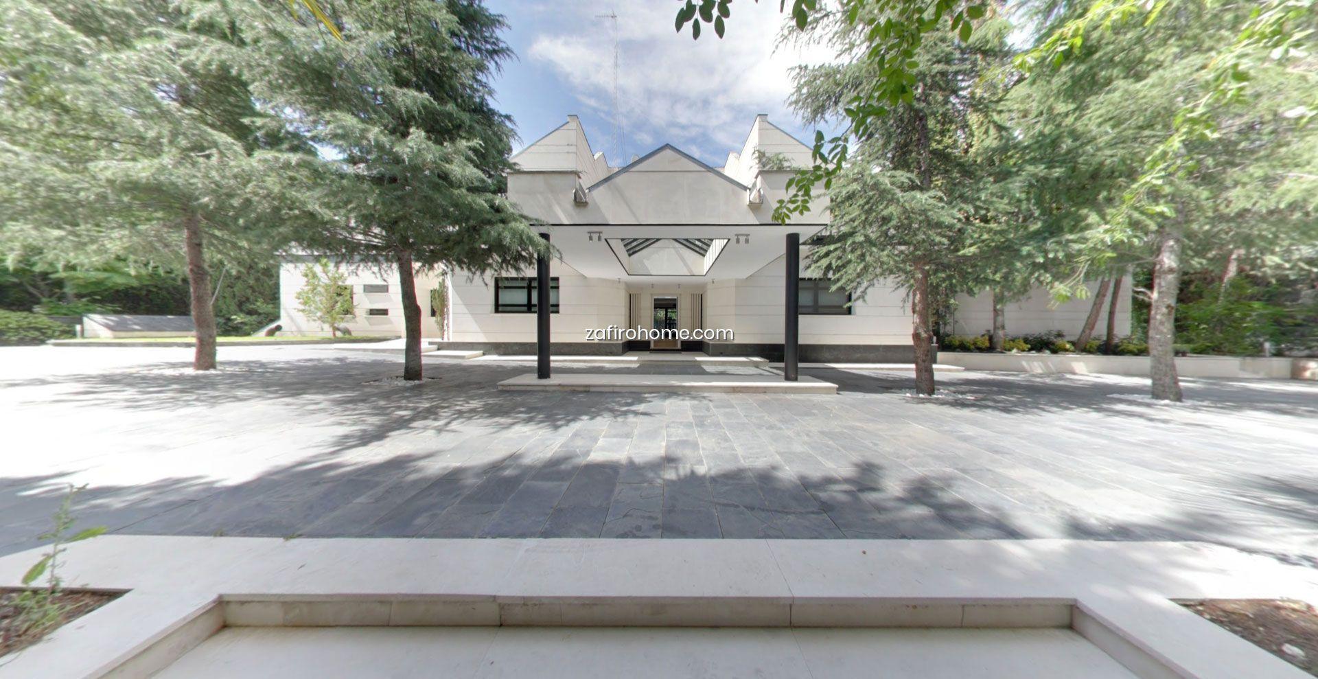 Venta Casa Chalet En Pozuelo De Alarcon La Florida Con Piscina