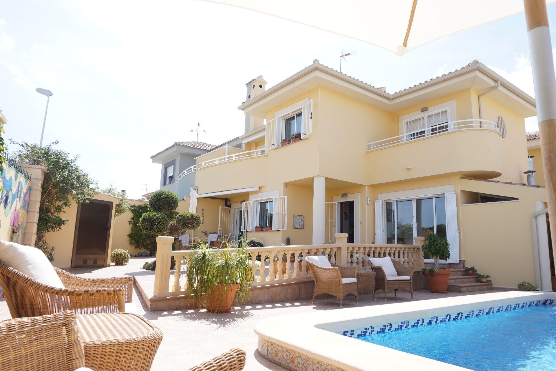 Villa in Almoradí, El Bañet, te koop