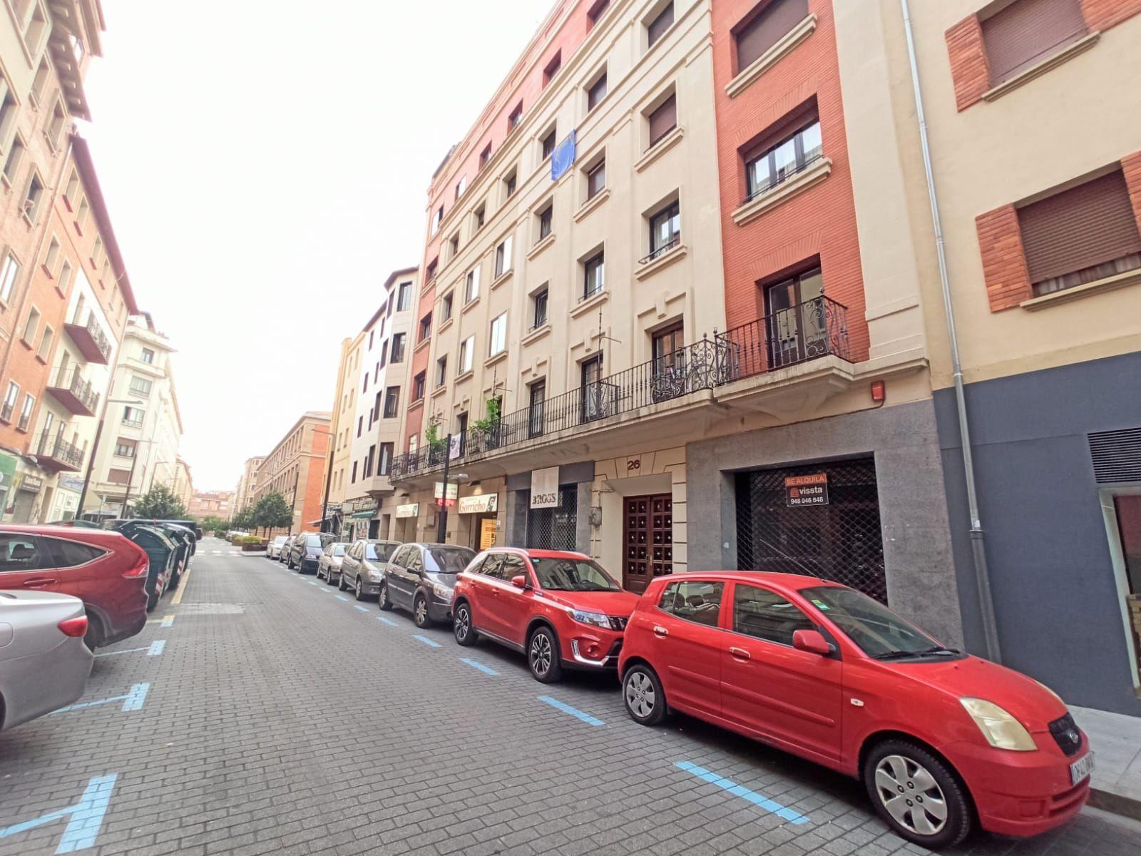 Local comercial en Pamplona, alquiler