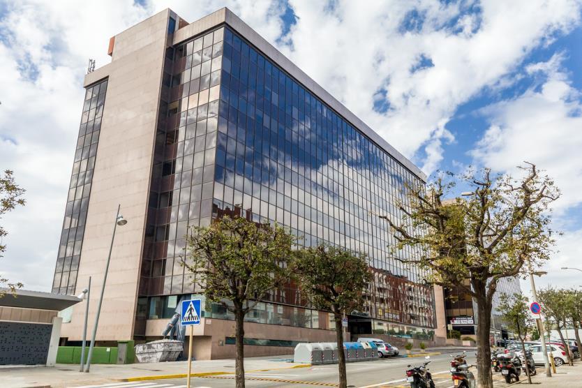 INMOSEARCH asesora a CSM Bakery, en el alquiler de 3.900 m2 de oficinas en el Edificio Conata 2 propiedad de INSA