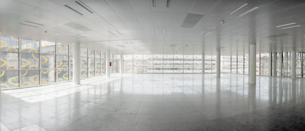 INMOSEARCH, Gestión de Inmuebles, asesora a VEOLIA en el alquiler de oficinas en el edificio ubicado en Plaza Europa propiedad de SORIGUE, 2800 m2