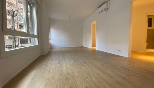 Flat in Barcelona, Les Corts, for sale