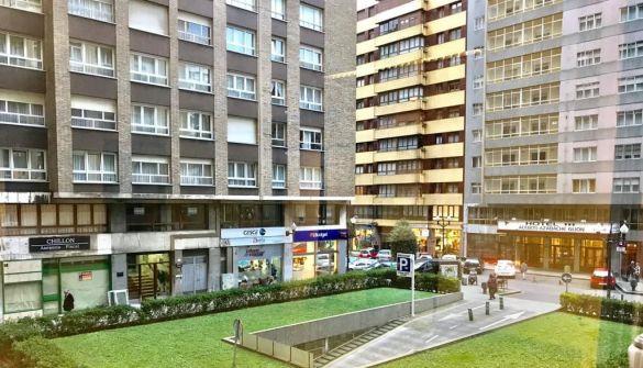 Oficina en Gijón de 4 habitaciones