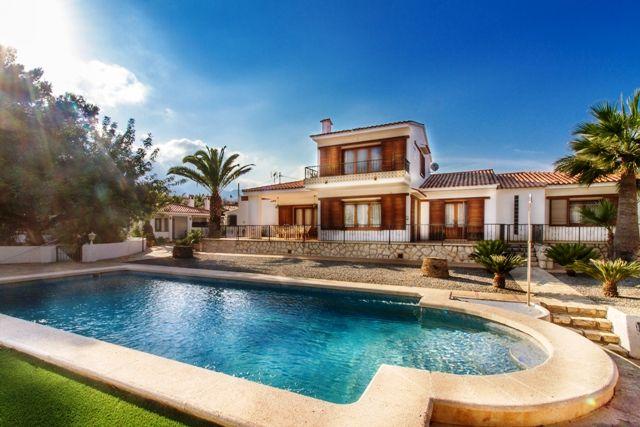 Villa in Alfaz del Pi / l'Alfàs del Pi, for sale