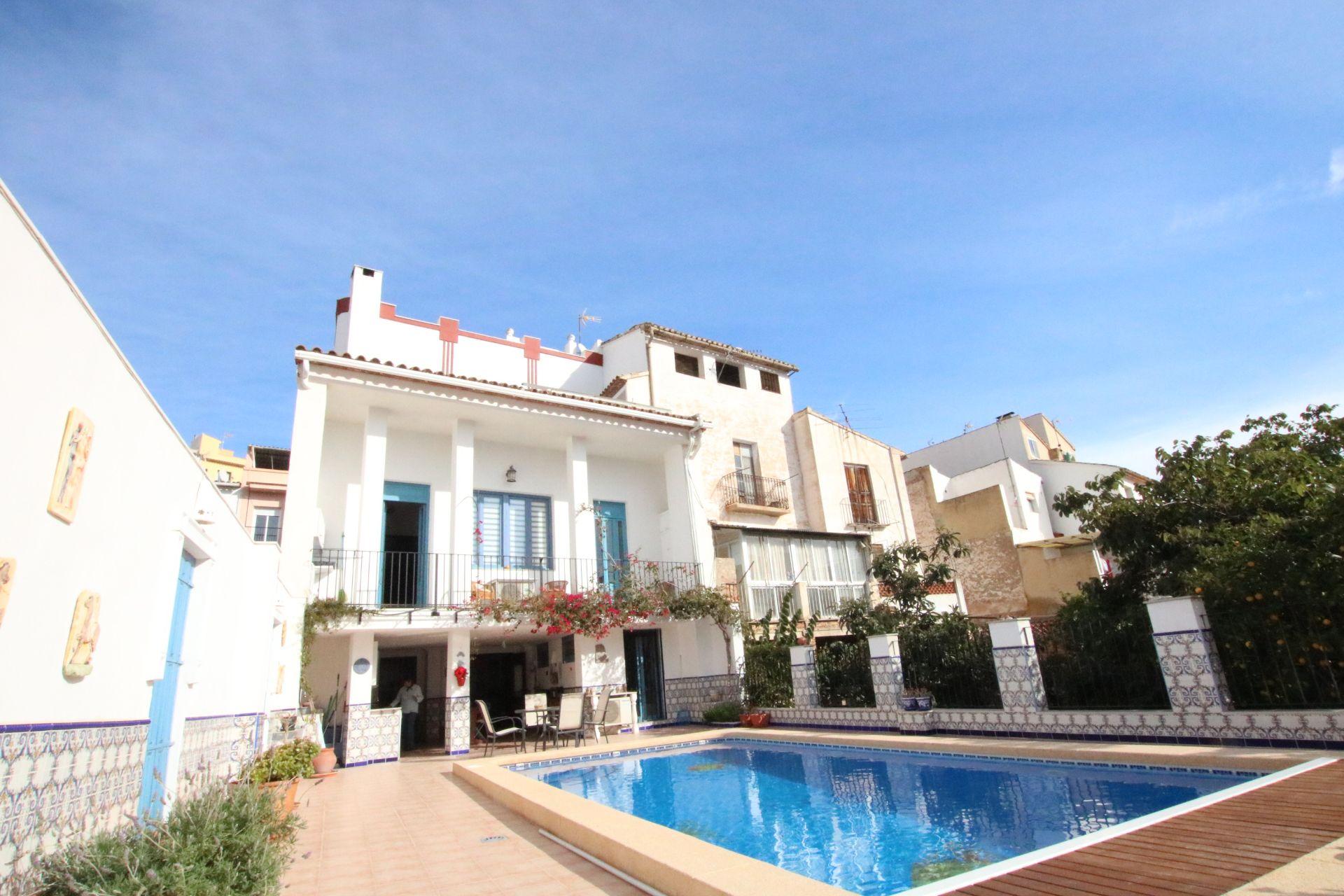 Villa de Lujo en Callosa d'En Sarrià, venta
