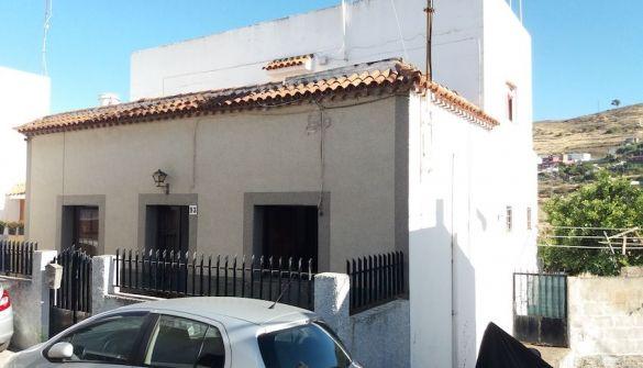 Casa adosada en Santa Brígida de 5 habitaciones