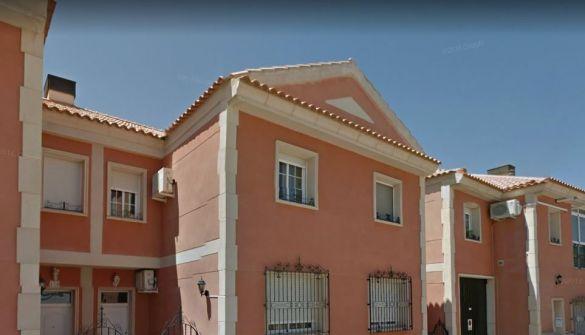 Casa adosada en Valdepeñas de 4 habitaciones