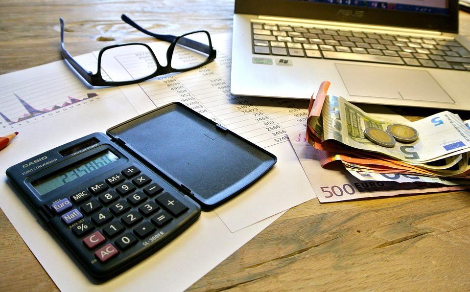 Los impuestos que hay que pagar al recibir en herencia una casa