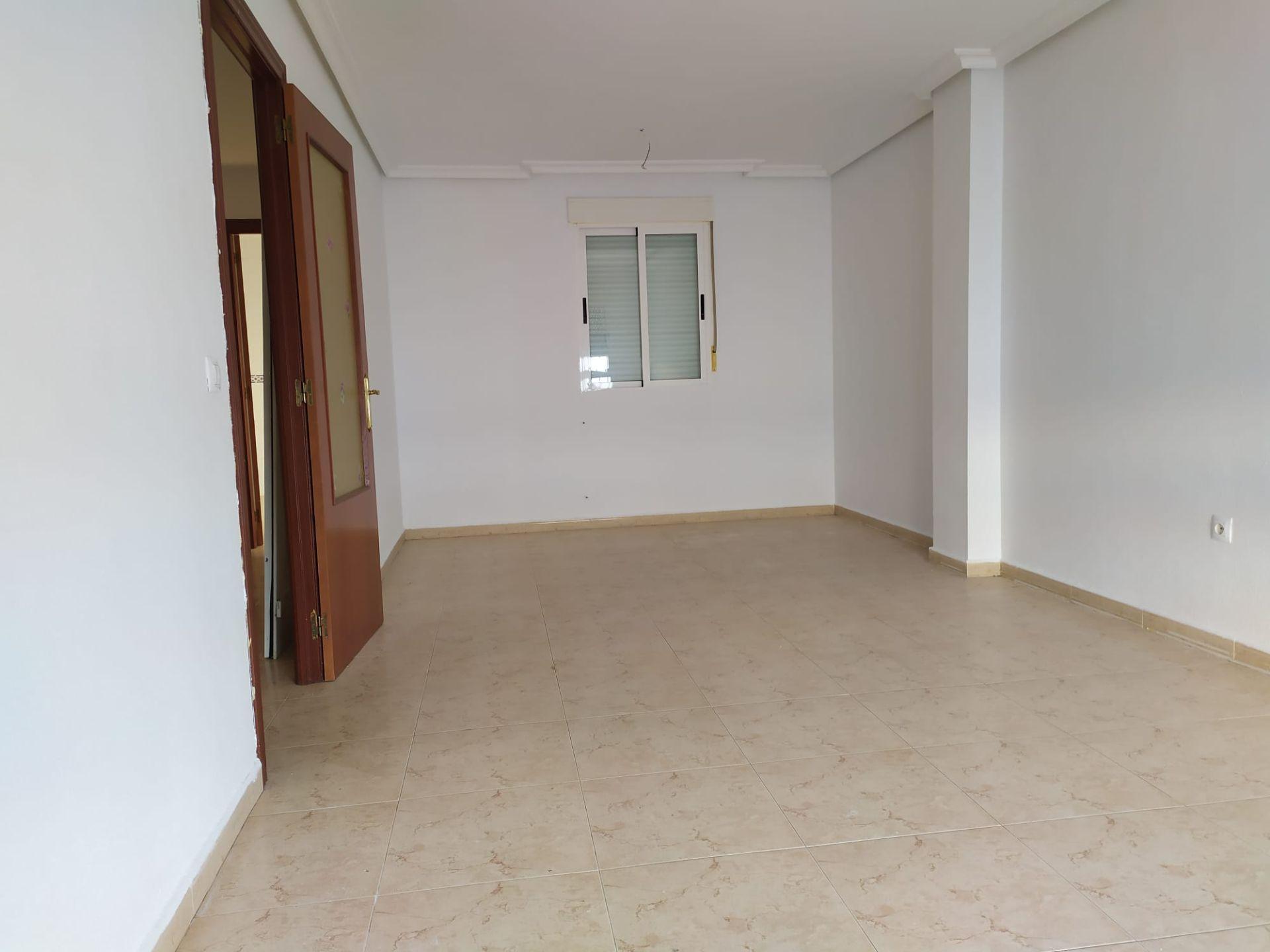 Casa adosada en Cáceres, ALDEA MORET, venta