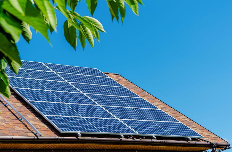 Cómo instalar paneles solares en casa