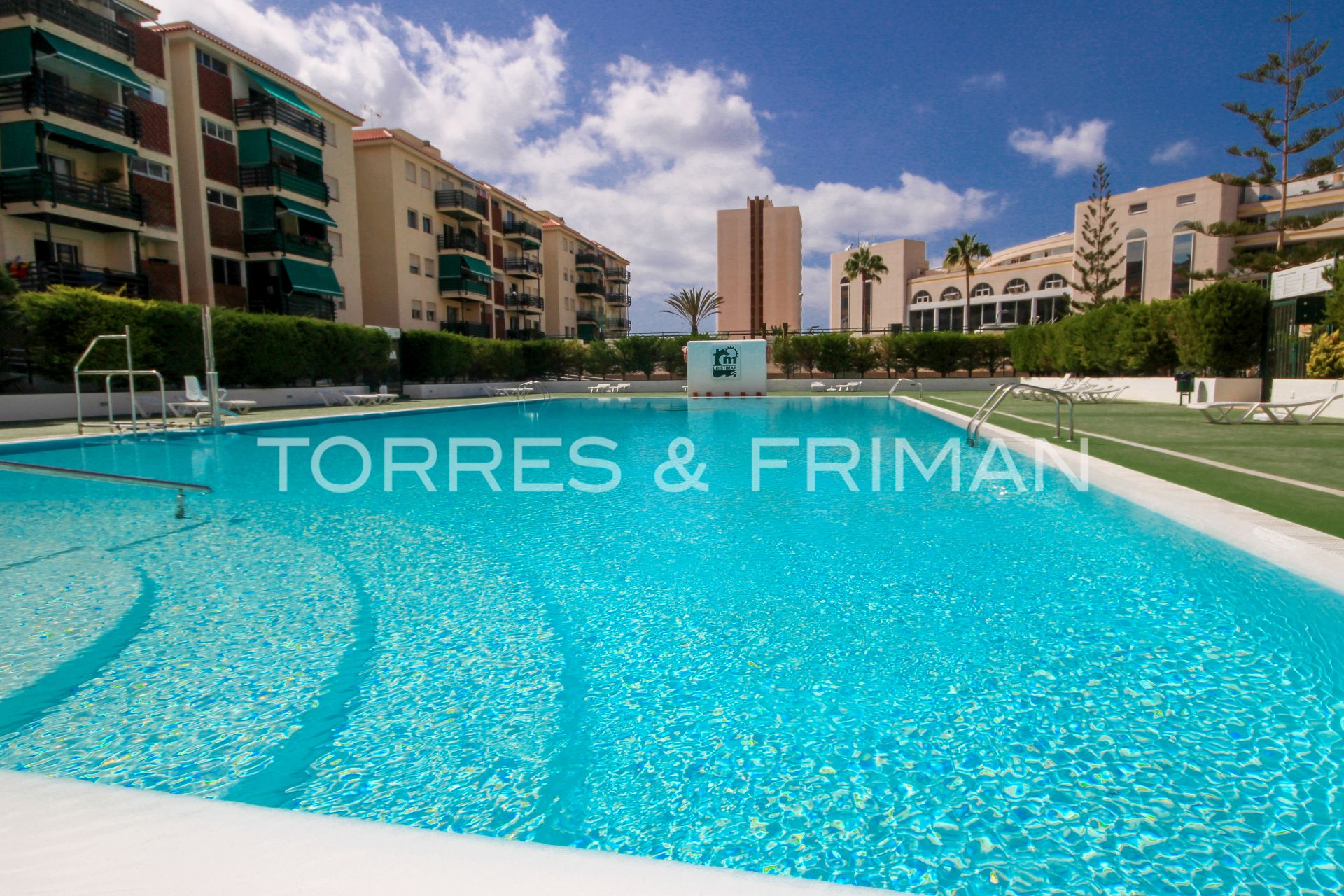 Apartment in Los Cristianos, Los Angeles, for sale
