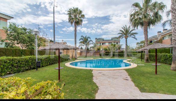 Casa adosada en Muchamiel, Paulinas/Almajada, venta
