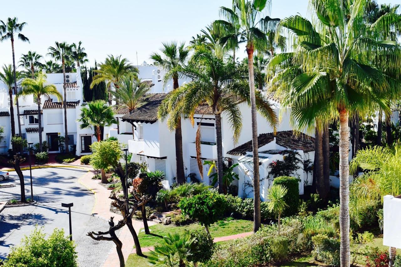 Casa adosada en Marbella, venta