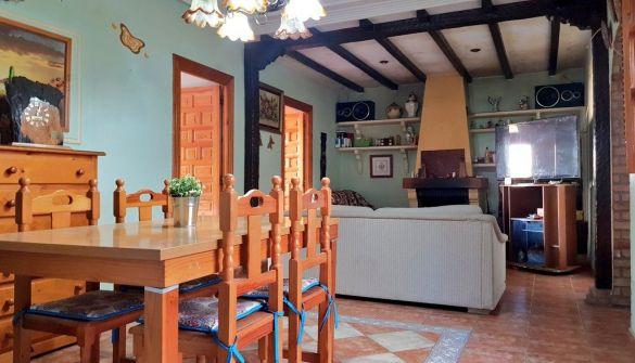 Casa adosada en Motril de 4 habitaciones
