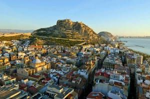 Alicante offers cheapest price per solar hour