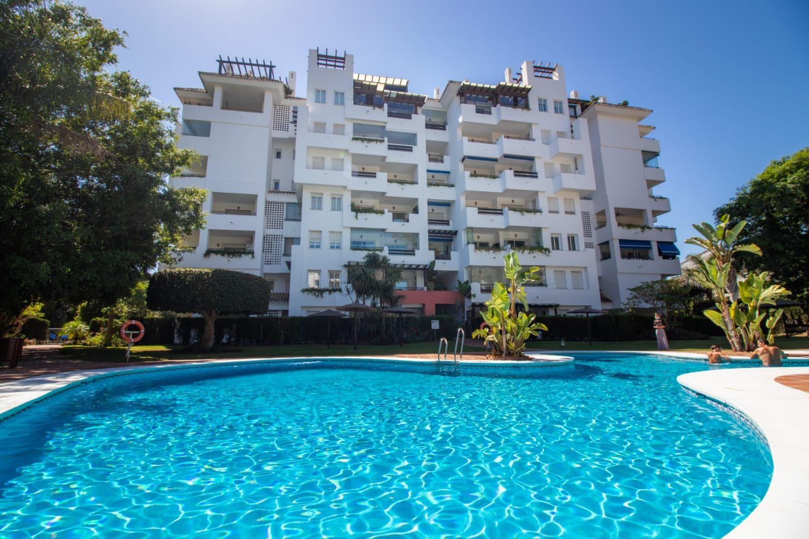Piso en Marbella, PUERTO BANUS, venta