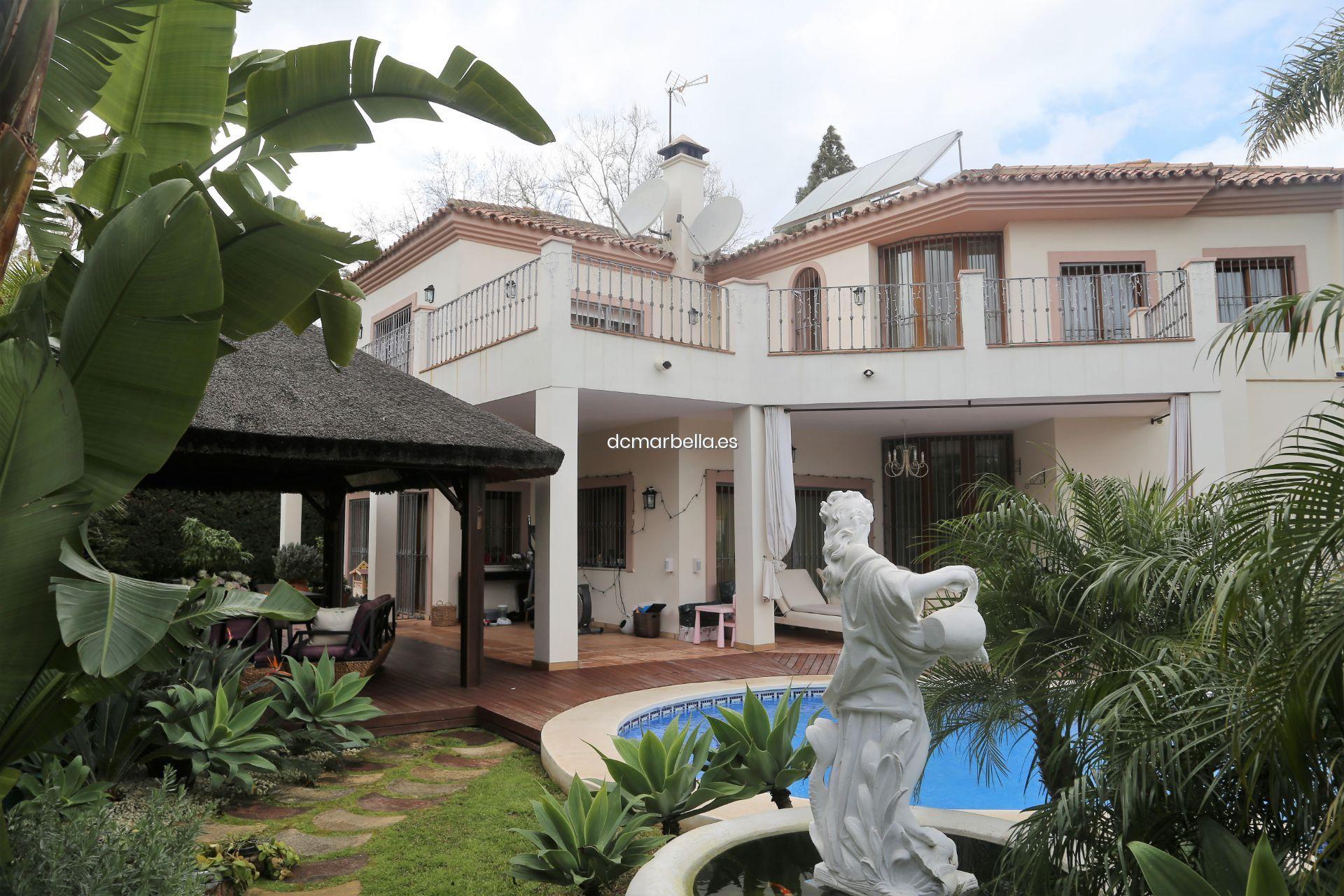 For Sale Villa In Marbella Guadalmina Baja With Garage