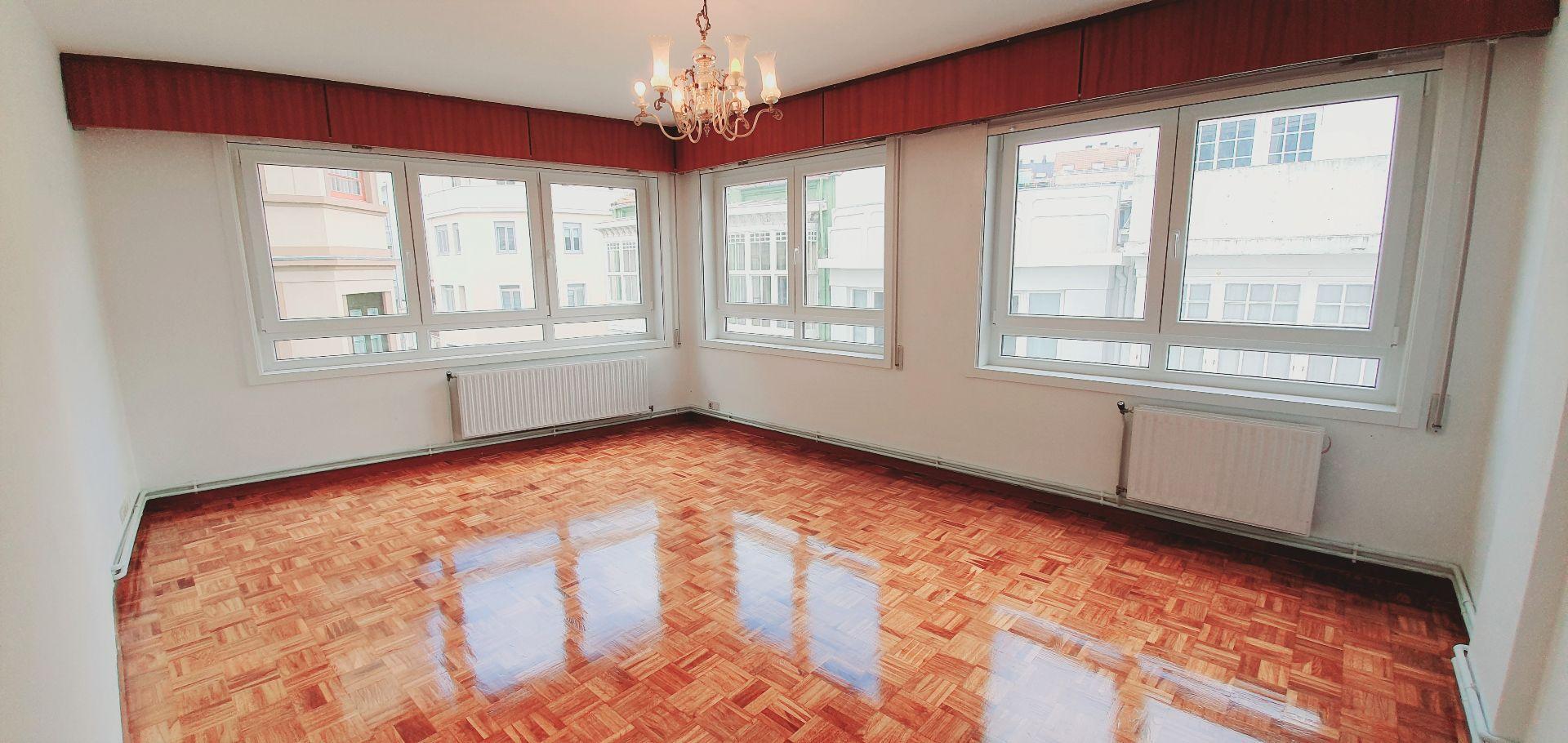 Grand Appartement à A Coruña, Monte Alto - Zalaeta - Atocha, vente
