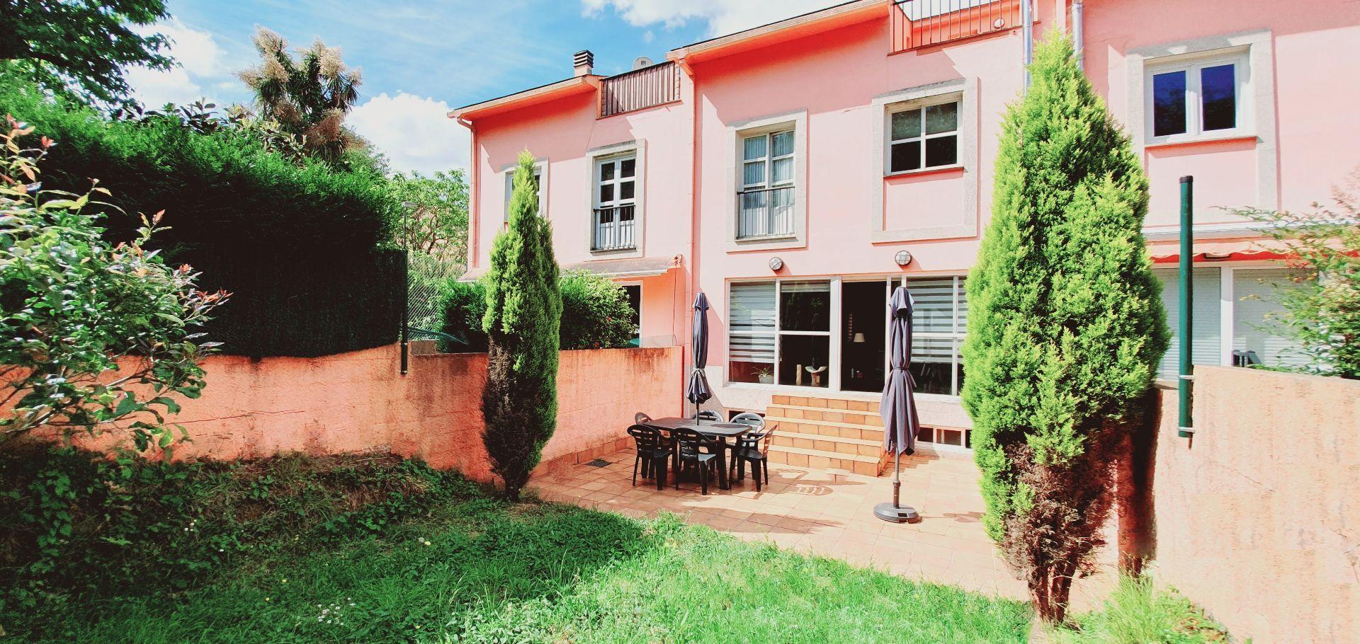 Casa adosada en Oleiros, Oleiros, venta