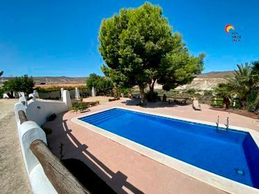 Countryside property in Turre, La Huelga, for sale