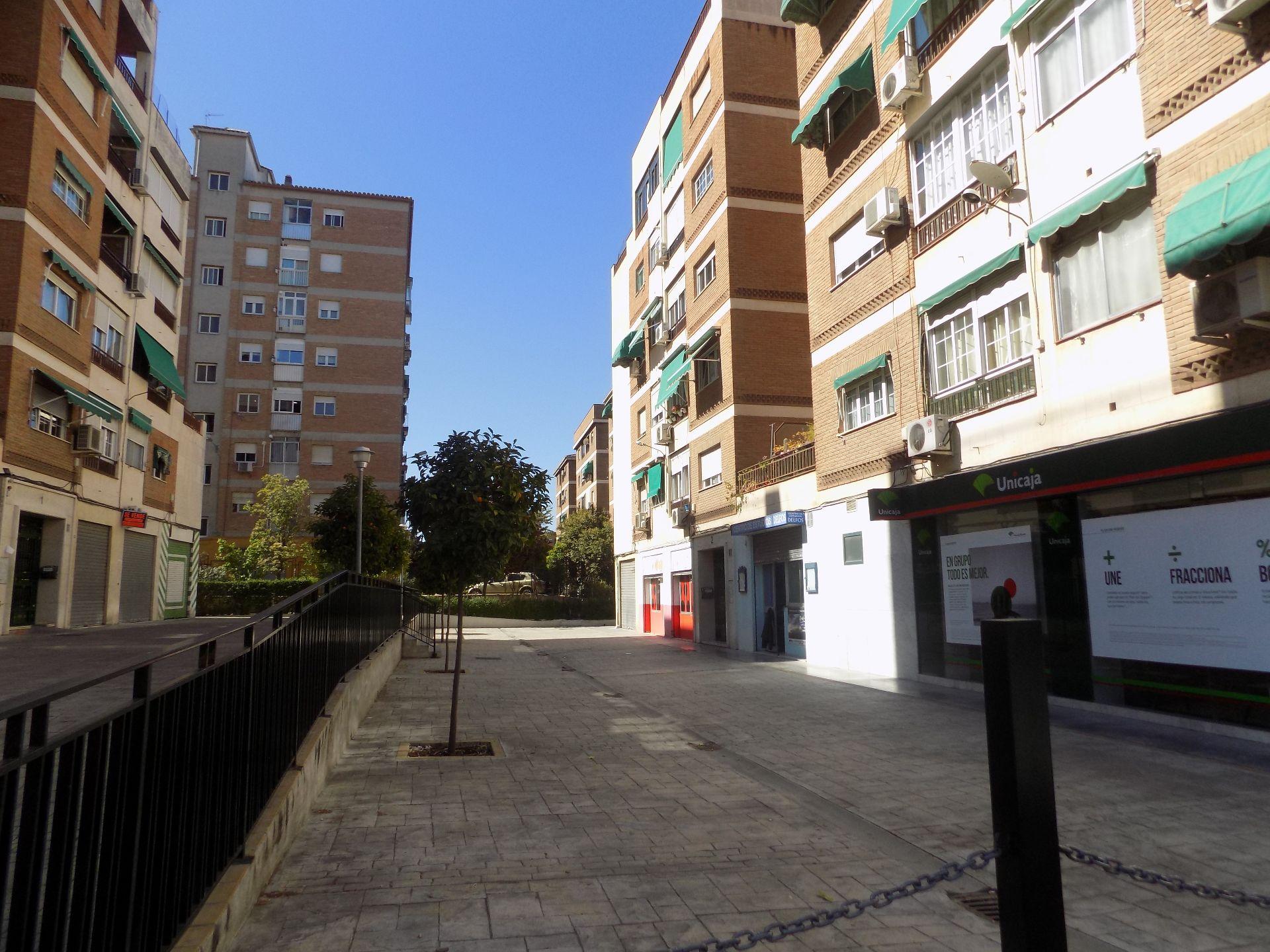 Local comercial en Granada, venta