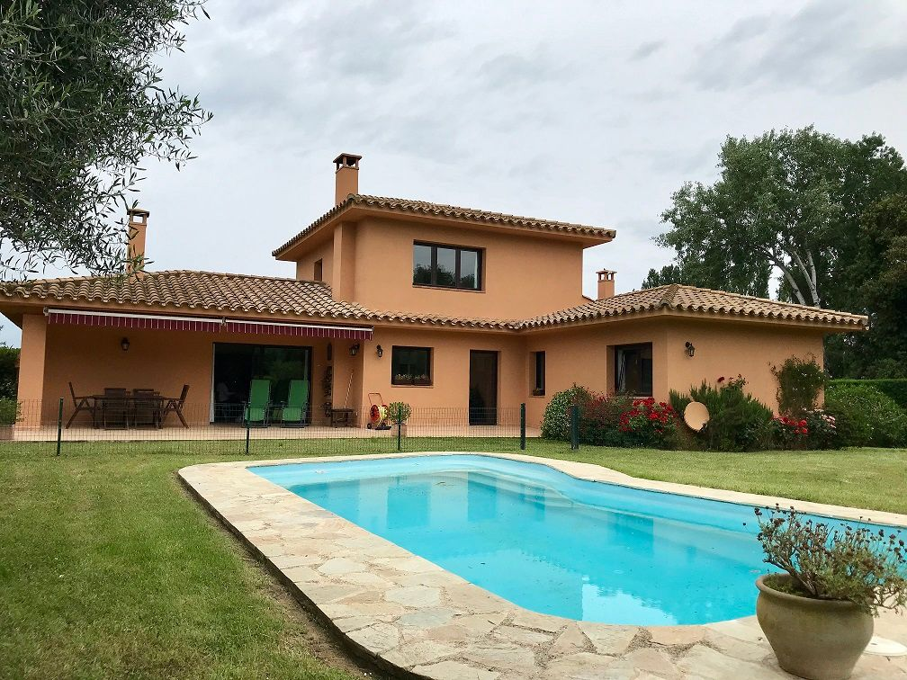 Villa in Navata, TorreMirona Golf & Spa, for sale