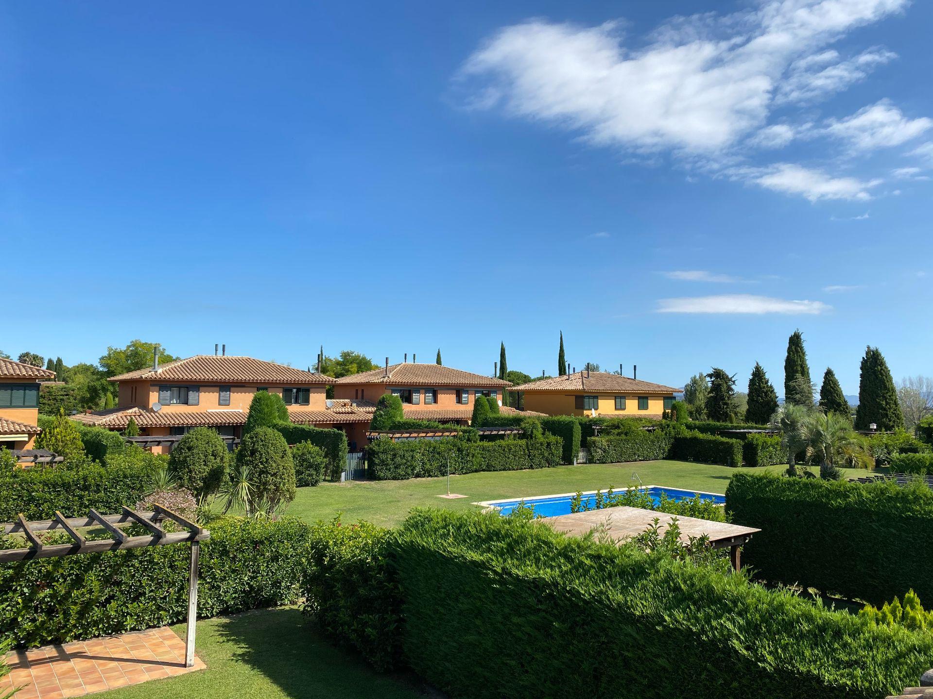 Terraced House in Navata, TorreMirona Golf & Spa, for sale