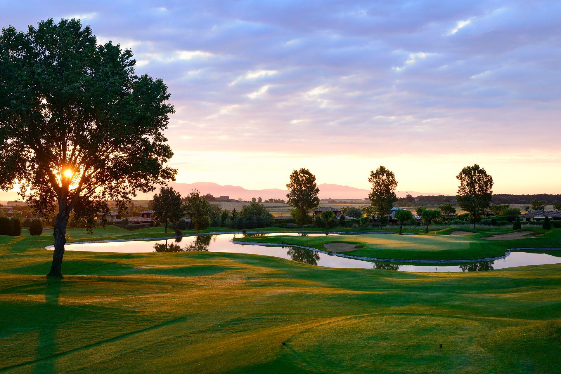 Plot in Navata, TorreMirona Golf & Spa, for sale
